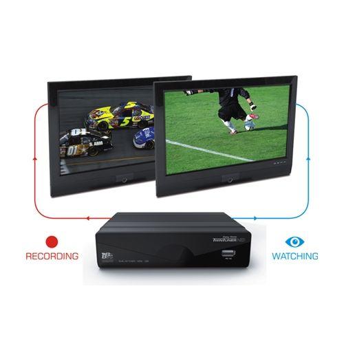 Easy Home TwinTuner HD. Graba un canal mientras ves otro. Un sintonizador de TDT HD revolucionario. Entra en www.tiendabestbuy.com.   Easy Home TwinTuner. Record one channel and watch another one. Go to www.tiendabestbuy.com