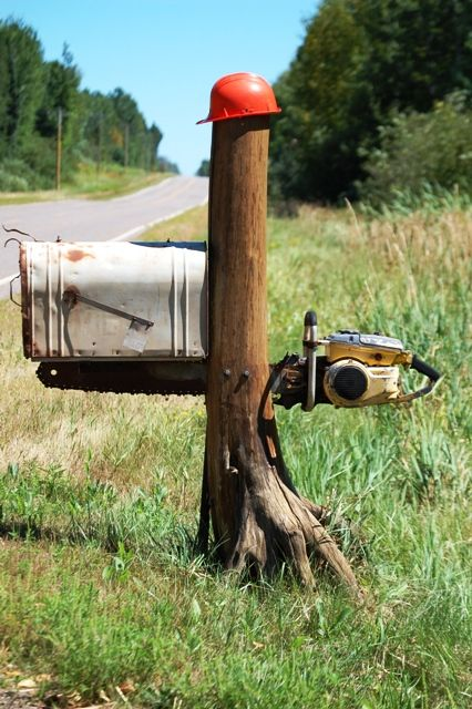 Yard Art Creativity With Scrap Metal Chain Saw Art And Stuff Collections Diy Letter Boxes Mailbox Decor Diy Mailbox