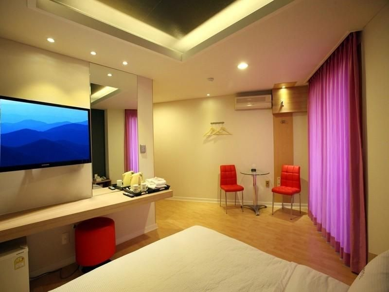 We Motel Pyeongchang-gun, South Korea   Asia   Pinterest   Motel ...