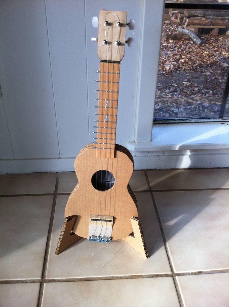 diy carboard ukulele stand diy cardboard diy crafts diy pinterest ukulele stand diy. Black Bedroom Furniture Sets. Home Design Ideas