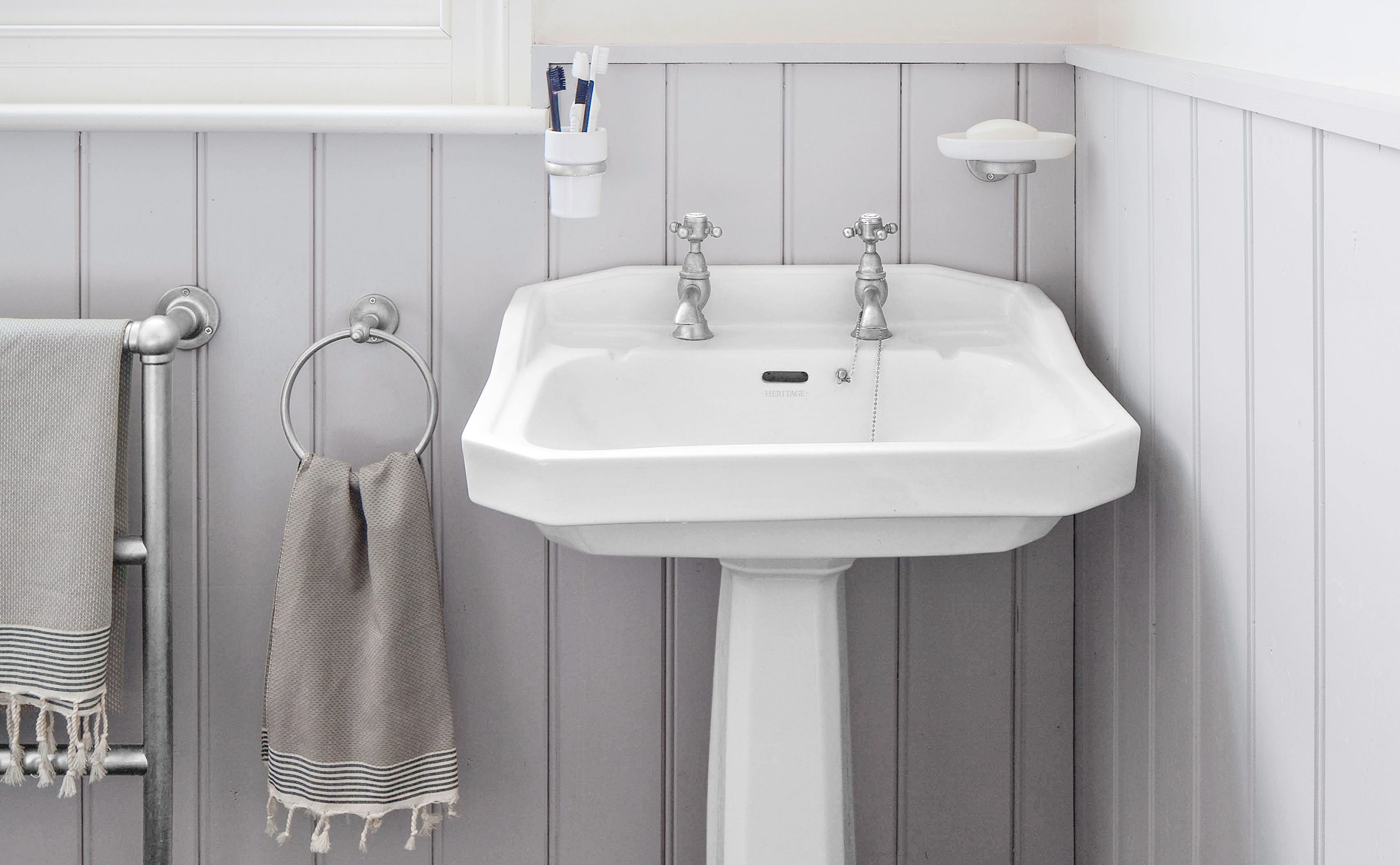 Fix A Chipped Sink With Images Bathroom Sink Diy Bathroom