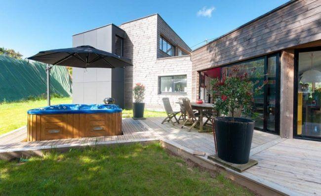 Whirlpool im Garten einbau-terrasse-ampelschirm | Teich | Pinterest