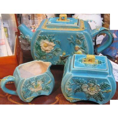 Vintage Majolica 3 piece tea set in robins egg blue