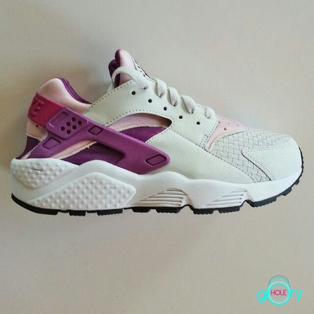 One of my all time favorites | Nike air trainer huarache