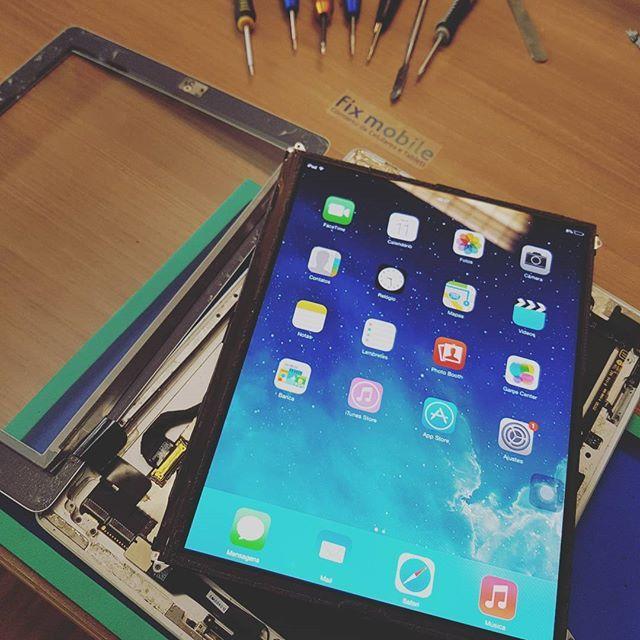 Troca de Vidro - iPad 2 - R$ 290,00!   Agende sua troca conosco! (11) 3044-6847 - contato@fixmobile.com.br  #fixmobile #telaquebrada #ipad