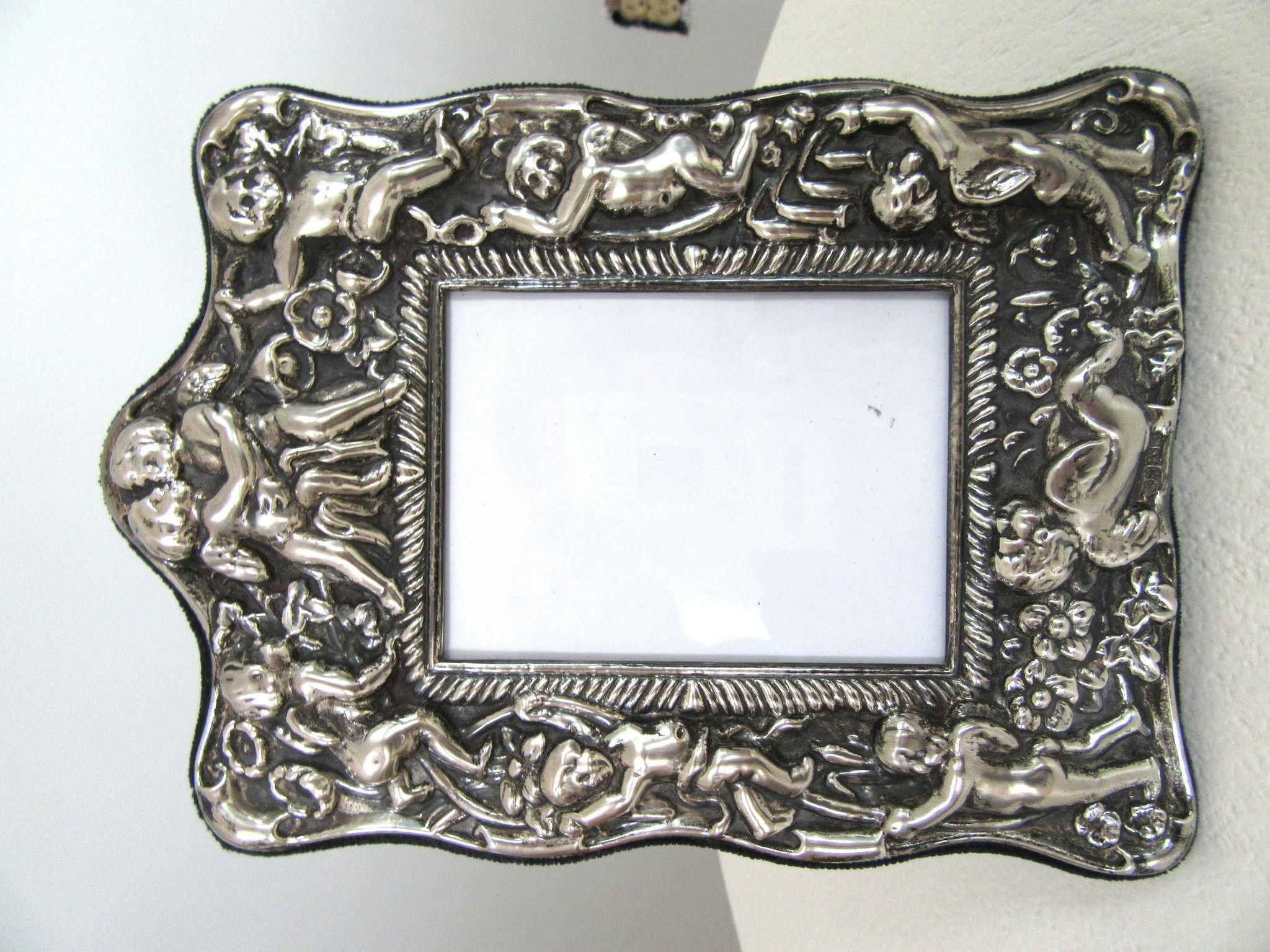 775 Ornate Vintage Sterling Silver Picture Frame Cherubs Repousse