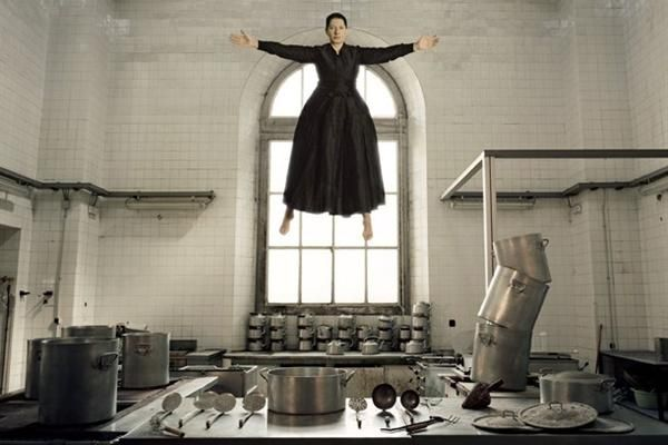 Google Image Result for http://katerinahotels.files.wordpress.com/2011/10/marina-abramovic-the-kitchen-i.jpg