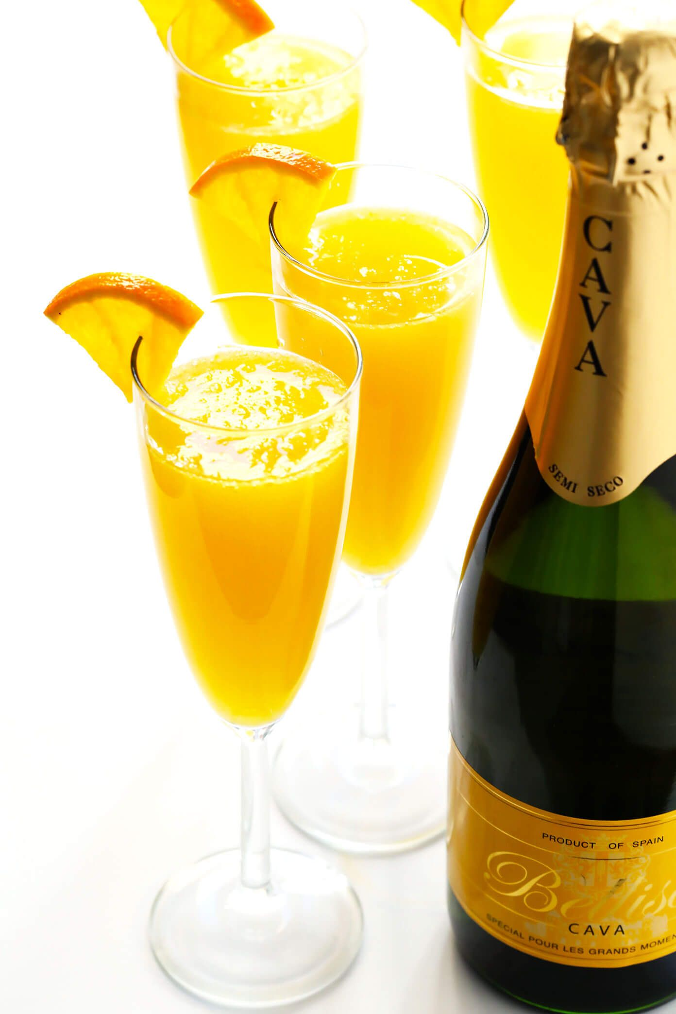 Learn how to make mimosas with this classic mimosa recipe Plus tips on how to make a pitcher for a crowd how to customize your cocktails with various addins and how to ma...