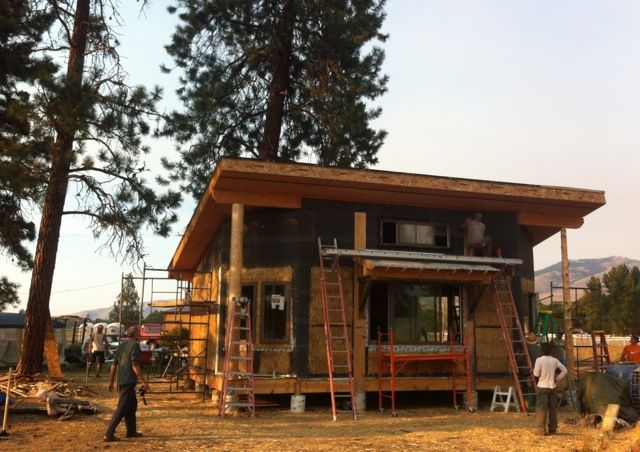 Southern Exposure On Tiny Straw House
