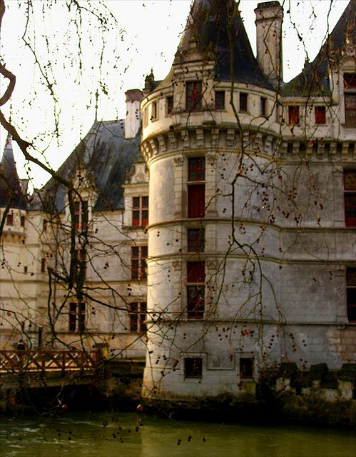 would love to live in a castle!