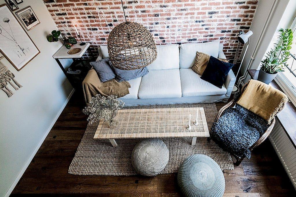 Cet Appartement De 60m2 Presente Une Decoration Inattendue Appartement Decoration Et Planete Deco