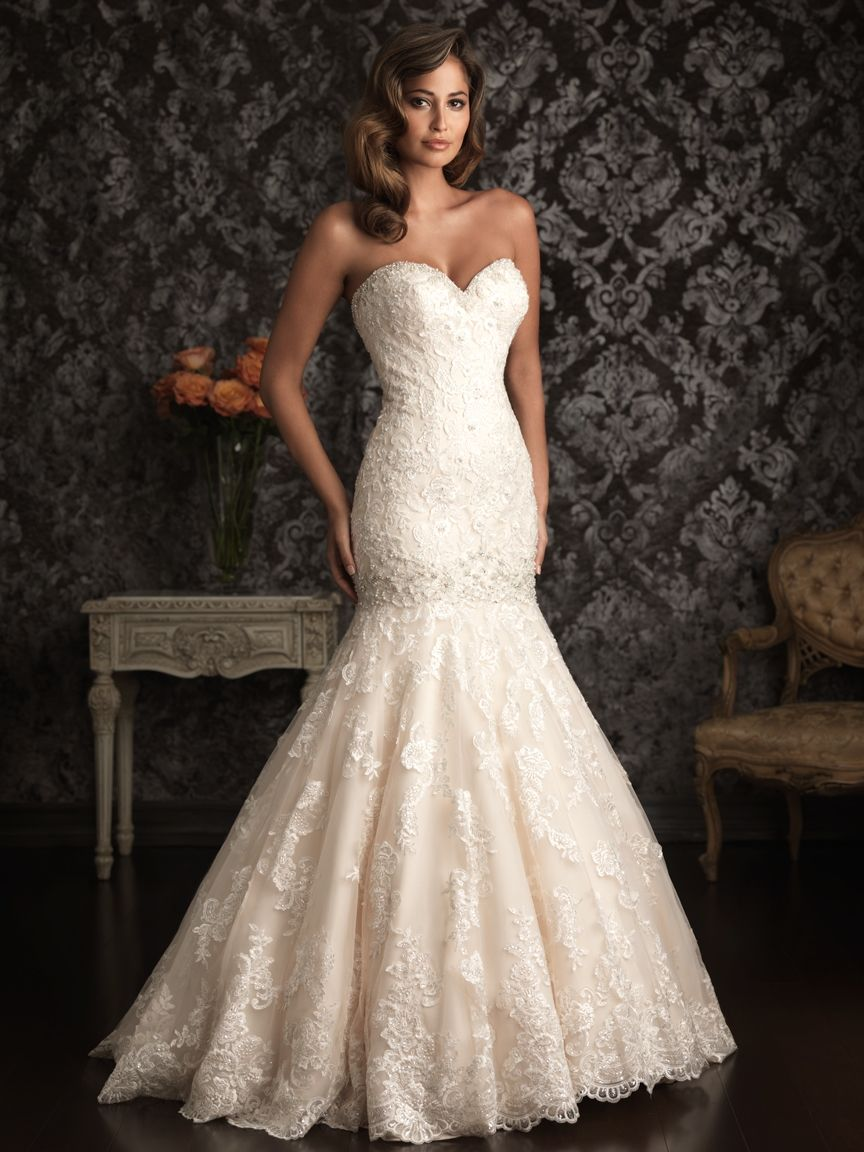 This is everything i want lace mermaid fit heart shape for Heart shaped mermaid wedding dresses