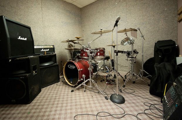How To Create A Productive Practice Space Practice Space Rehearsal Room Home Music Rooms