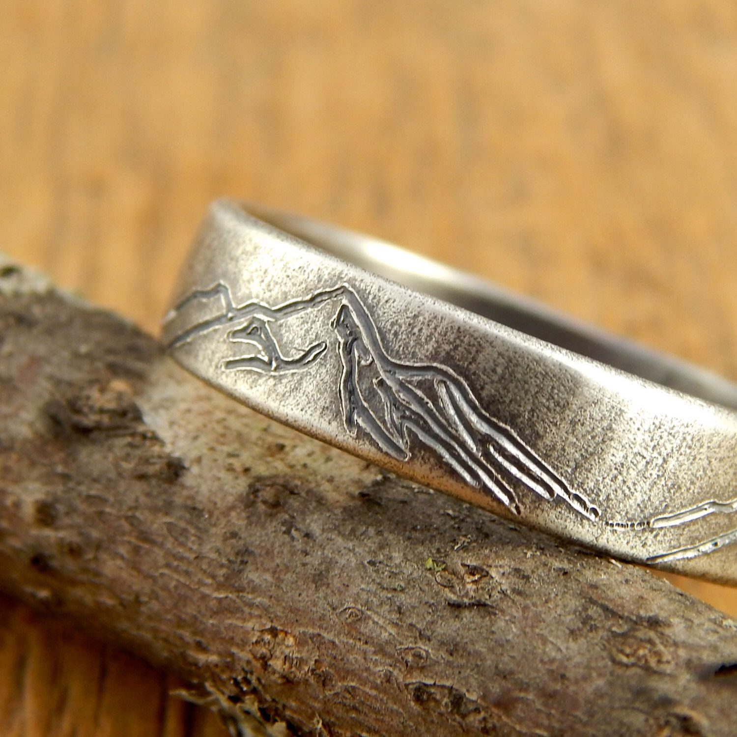 Mountain ring, *5 mm wide* mountain wedding band, engraved
