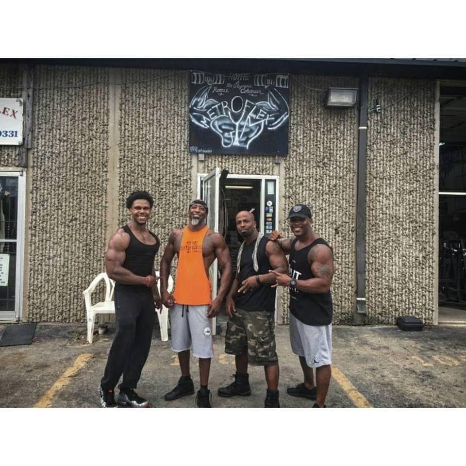 Cedric Bailey Roderick Walker And Antione Williams At The Original Metroflex Gym Arlington Texas Fitness Body Bodybuilding Body