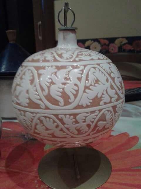 Pallina di Natale in ceramica graffita