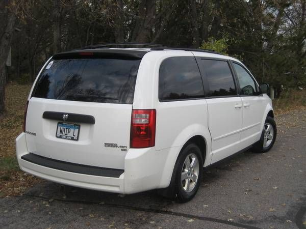 Pin By Uce Mark On 2010 Dodge Grand Caravan 12 795 Dodge