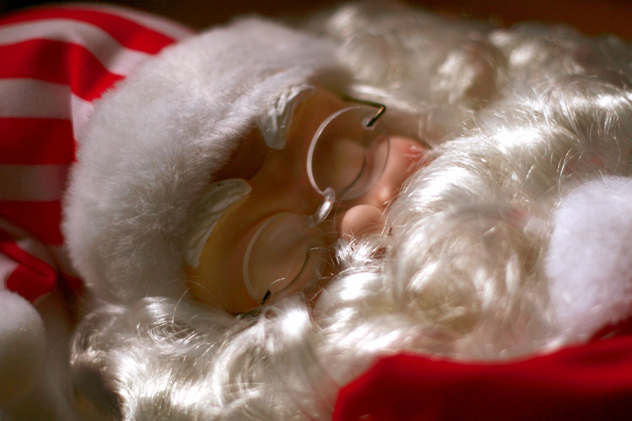 Santa is catching some extra sleep for his long journey this year.  It is almost time to unpack this cute Motionette.