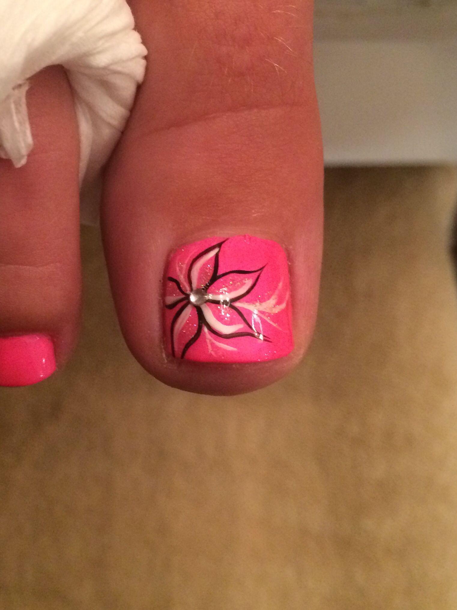 whispy flower nail art top of