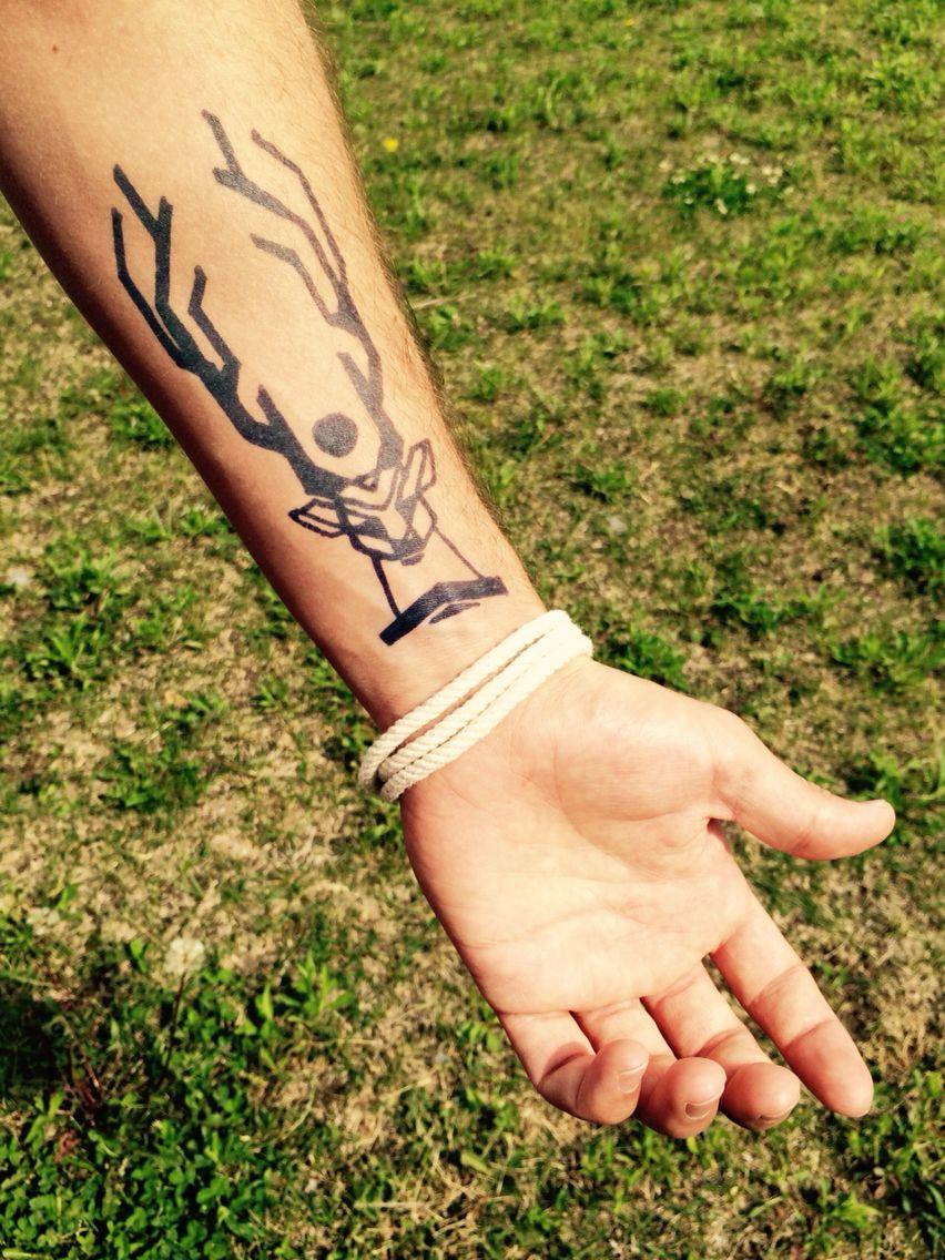 Cerf tatouage avant bras