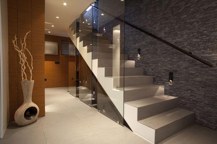 Progettazione Scale Interne : 30 immagini di scale interne con ringhiere in vetro staircases
