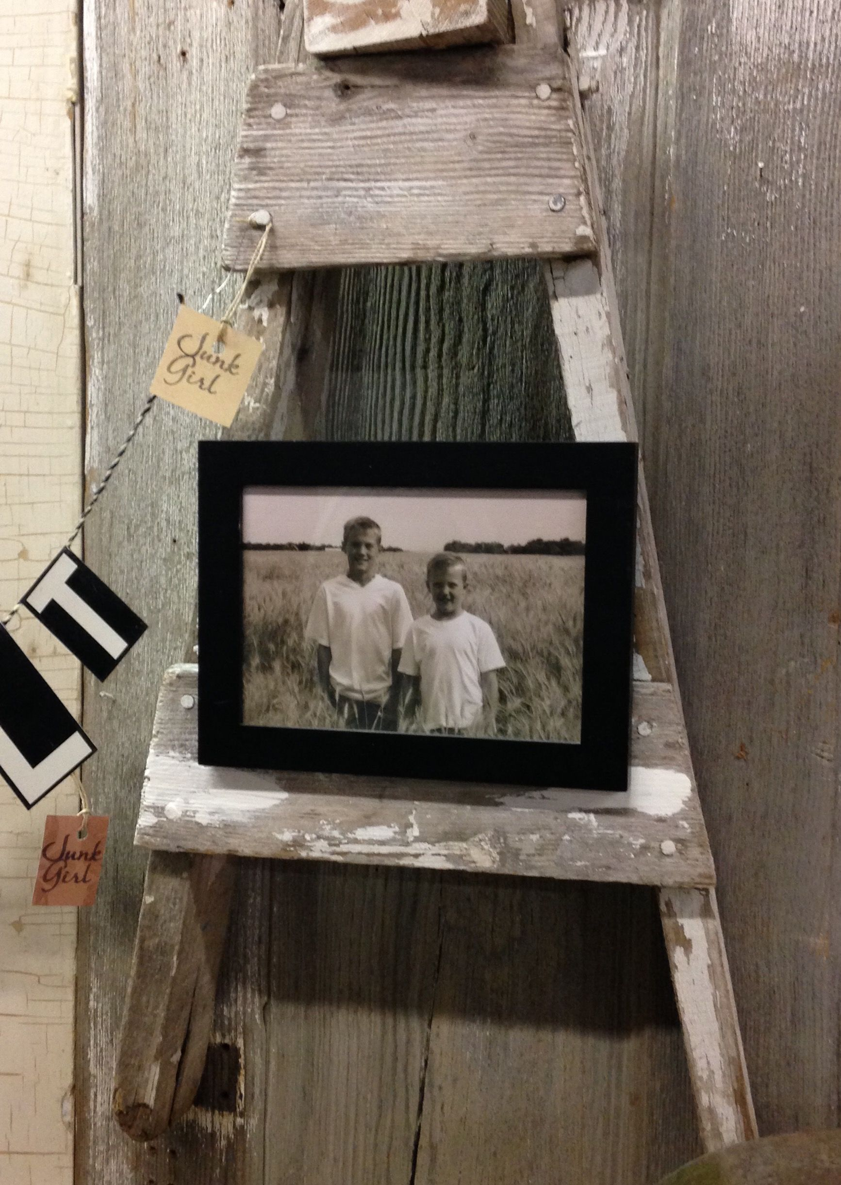 Pin by Andrea Miller on ND Junkgirl = My creations ... on Easel Decorating Ideas  id=88703