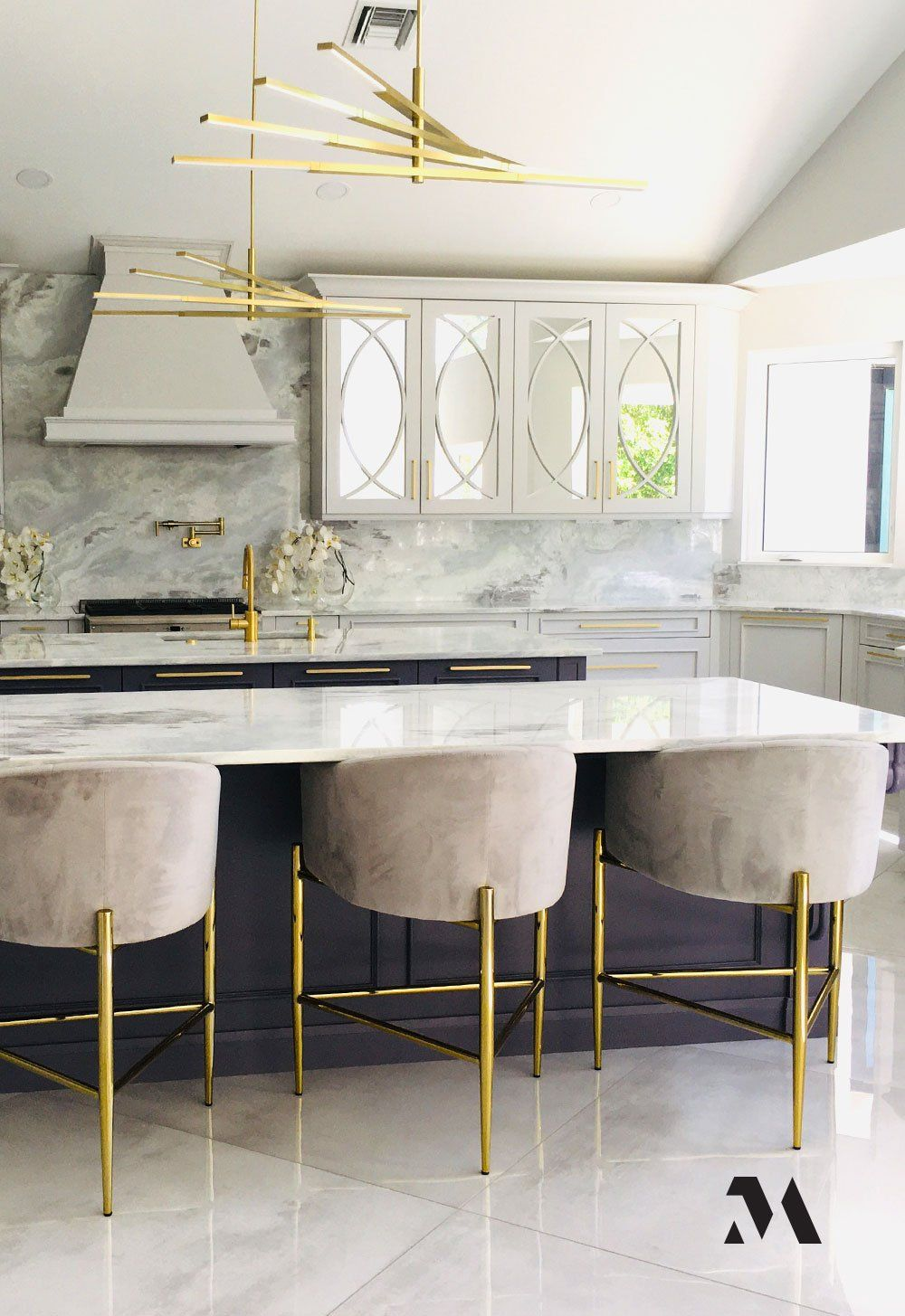 Rochelle Flug And Eva Staiman Of Evro Interiors Have Been Designing Kosher Kitchens For More Than 35 Years When They We In 2020 Kosher Kitchen Kitchen Remodel Kitchen