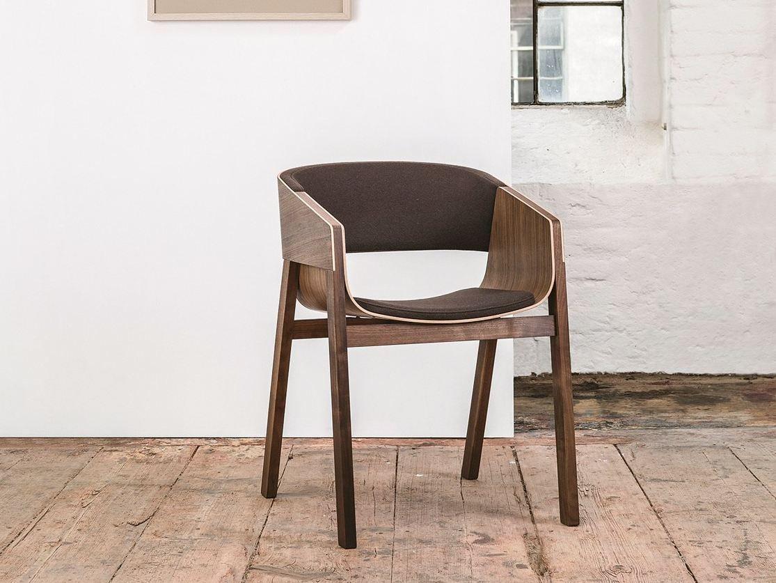 Merano Chaise Avec Accoudoirs By Ton Design Alexander Gufler Solid Wood Chairs Chair Wood Chair