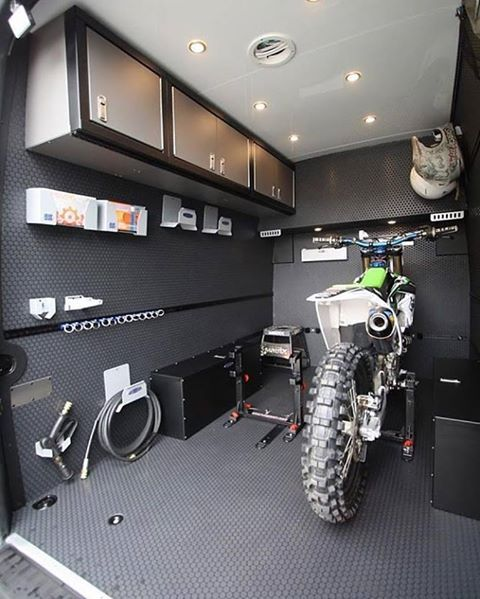 From rbcomponents moto season moto van check out for Amenagement garage moto