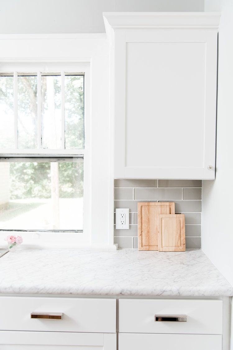 Lowe S Stock Cabinets Review White Shaker Cabinets Kitchen