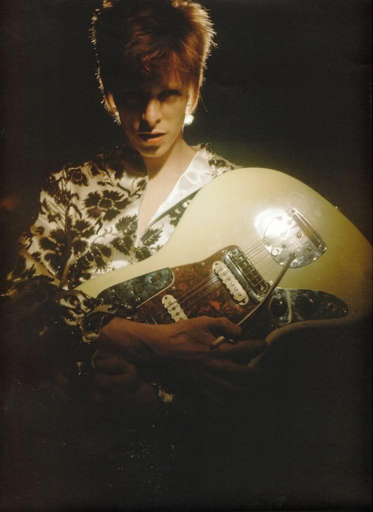 #davidbowie #1972 #ziggystardust #brian #ward #first #ziggy #photo #session #fender #jazzmaster