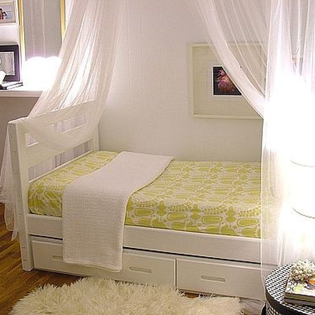 How to Make a Canopy Bed | Hunker & How to Make a Canopy Bed | Canopy and Bedrooms