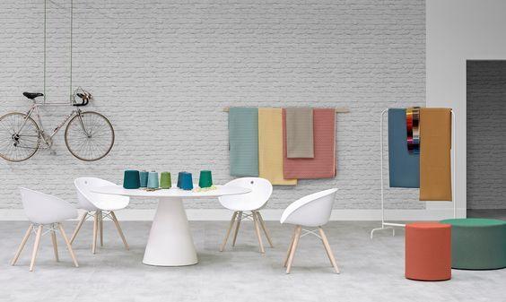 Pedrali stoel Gliss Wood 904 door Marco Pocci & Claudio Dondoli | Designlinq