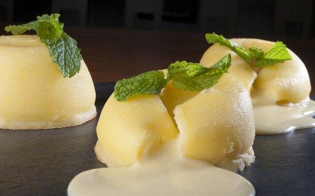 Petit gateau de cream cheese Philadelphia receita do chef Thomas Troisgros para Cozinhaterapia (Foto: Adriana Lorete)