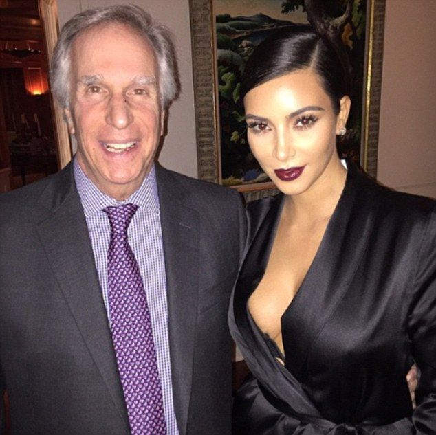Dinner with the Fonz! Kim Kardashian tweeted a snapshot of herself with Henry Winkler on Friday