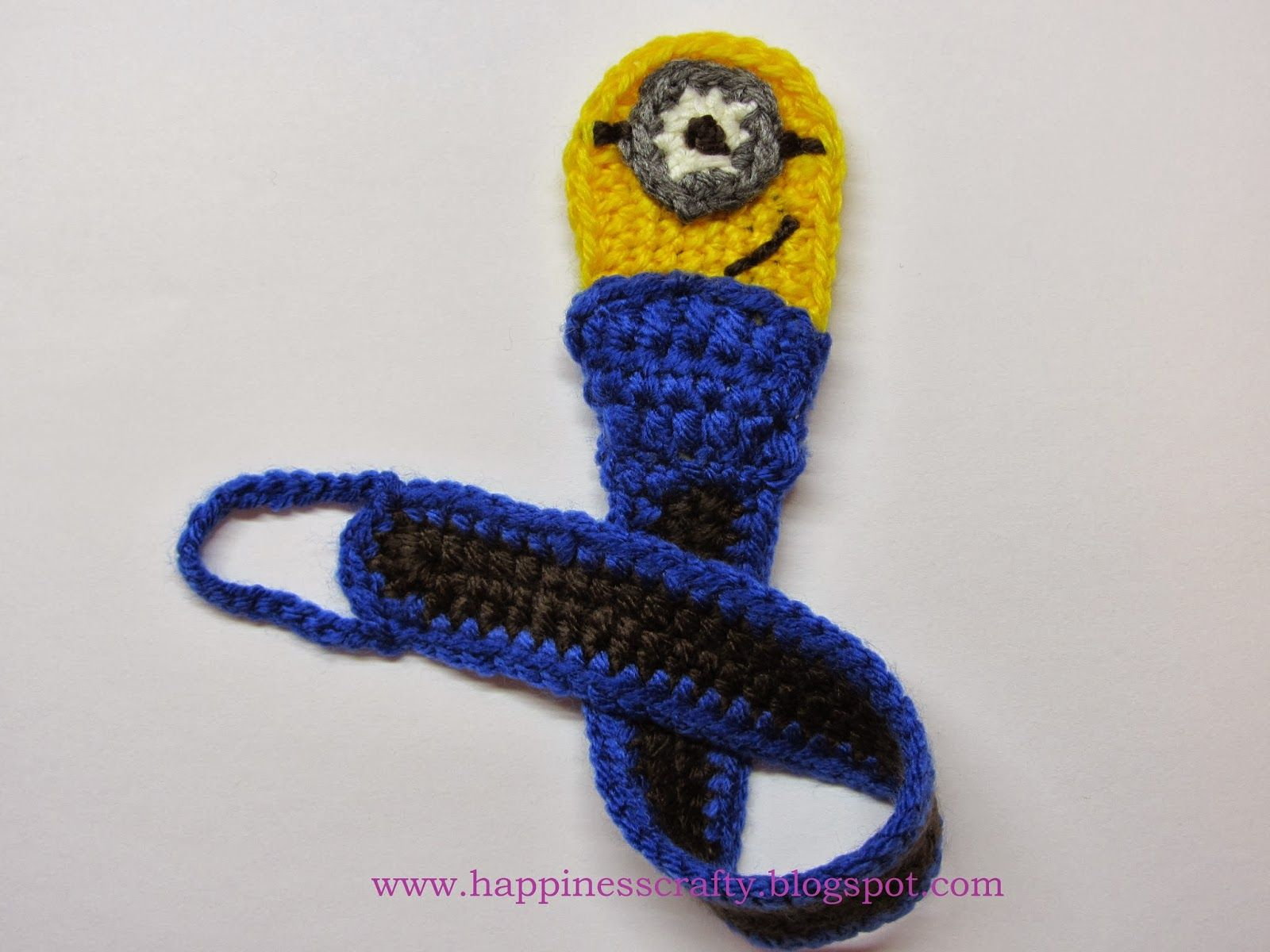 Happiness Crafty: Minion Pacifier Holder ~ Free Crochet Pattern | Do ...