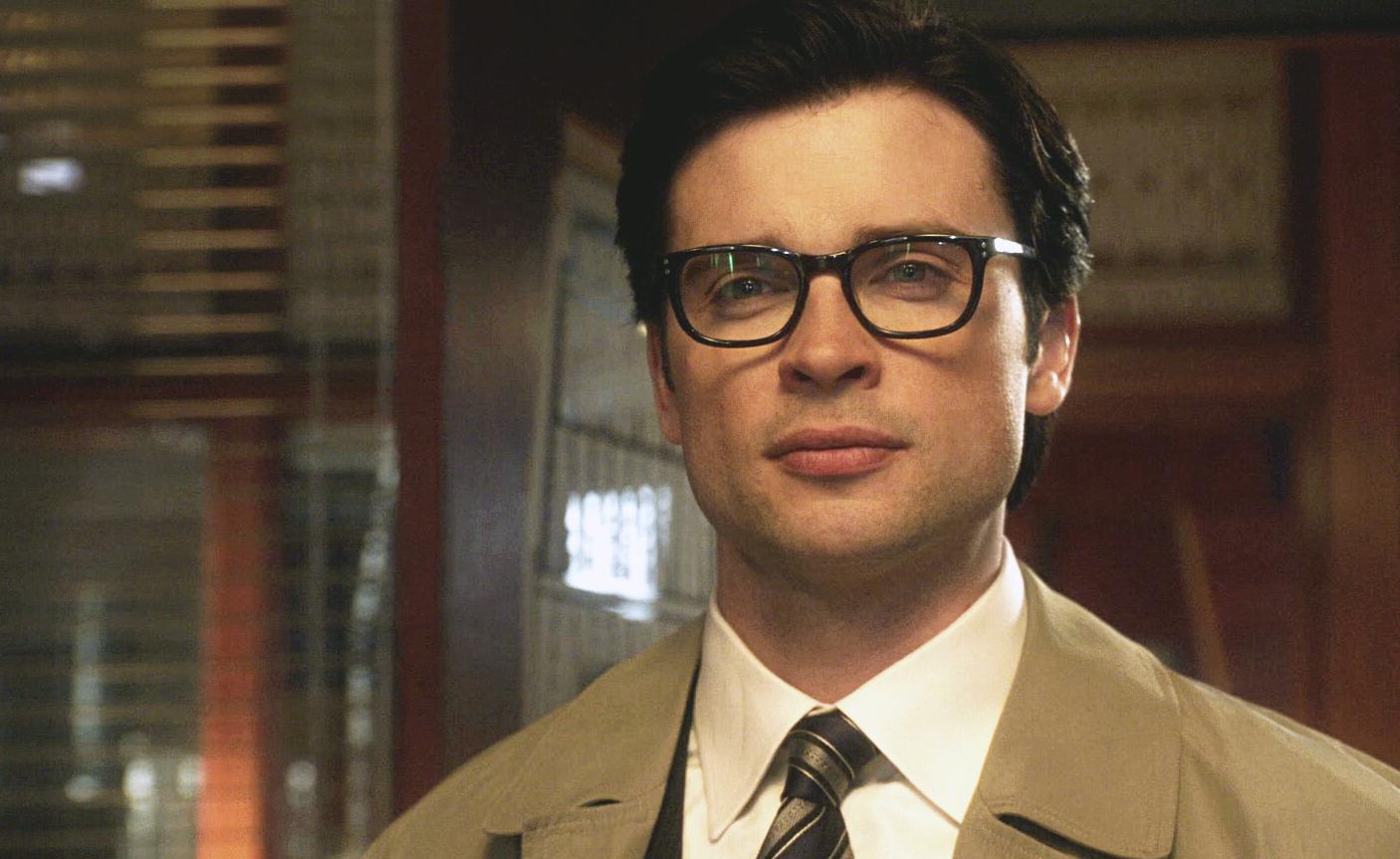 Clark Kent Smallville Wiki Fandom Clark Kent Smallville Supergirl And Flash