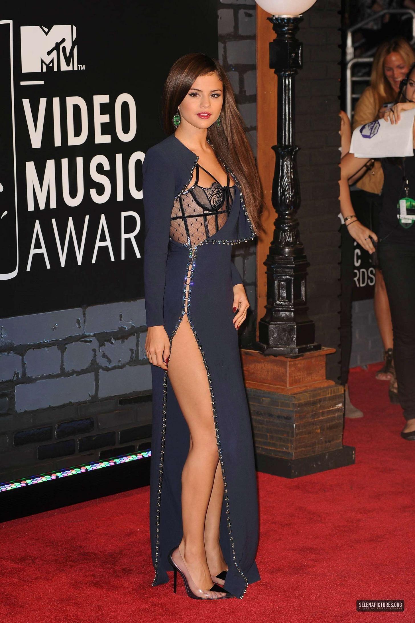 Selena Gomez Sexy Legs Imgur