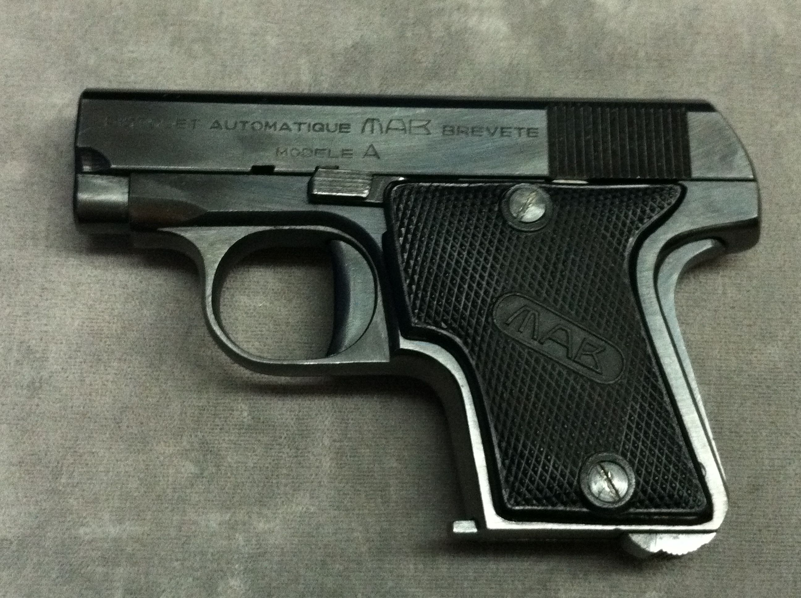 MAB A  32auto $349 95 | Pre-Owned Handguns | Hand guns, Guns