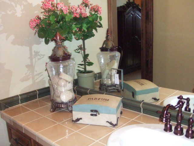 Staging A Bathroom Vanity Your Buyer Will Love Diy Tips Ideas And Pictures Upcycle Home Bathroom Staging Staging