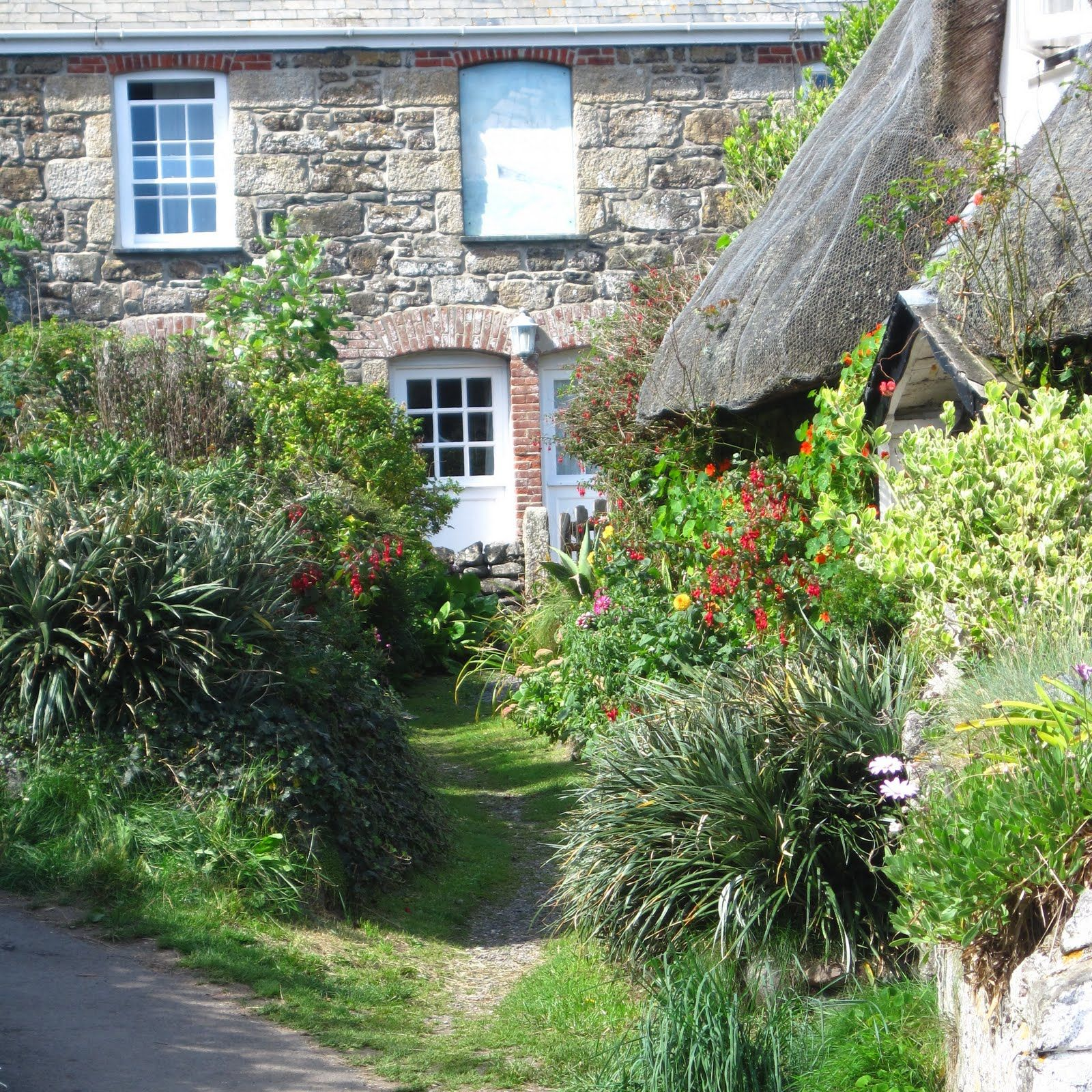 Cornwall Garden, English Country Cottages