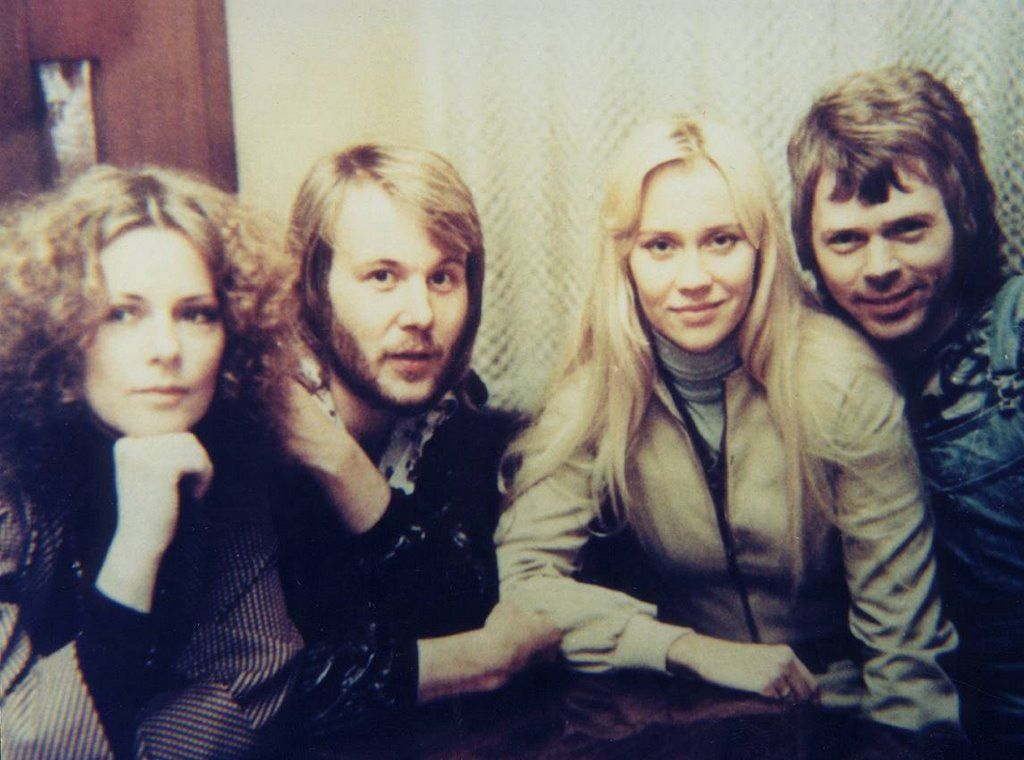 ABBA in East Germany to perform on DDR tv at Ein Kessel Buntes (no ...