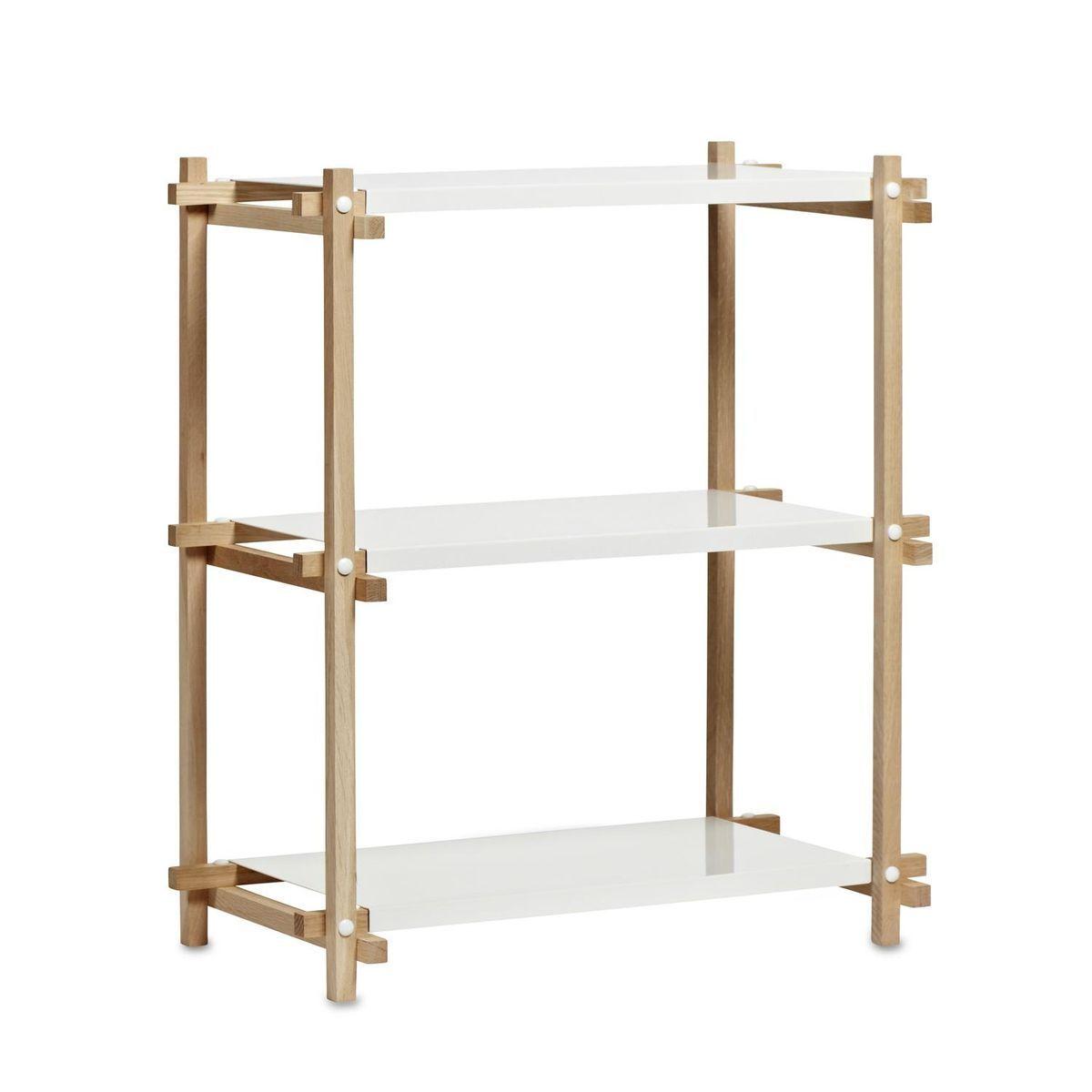 HAY - Woody Column Low Regal - eiche/Einlegeböden weiß/Gestell Eiche geseift/mit 3 Einlegeböden aus Stahl/75,5x44,5x85,5cm