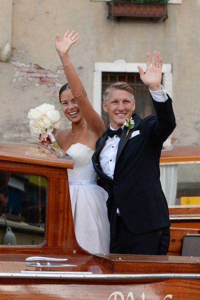 Die Hochzeit Von Ana Ivanovic Und Bastian Schweinsteiger Schweinsteiger Hochzeit Hochzeitsfeier Ideen Hochzeit