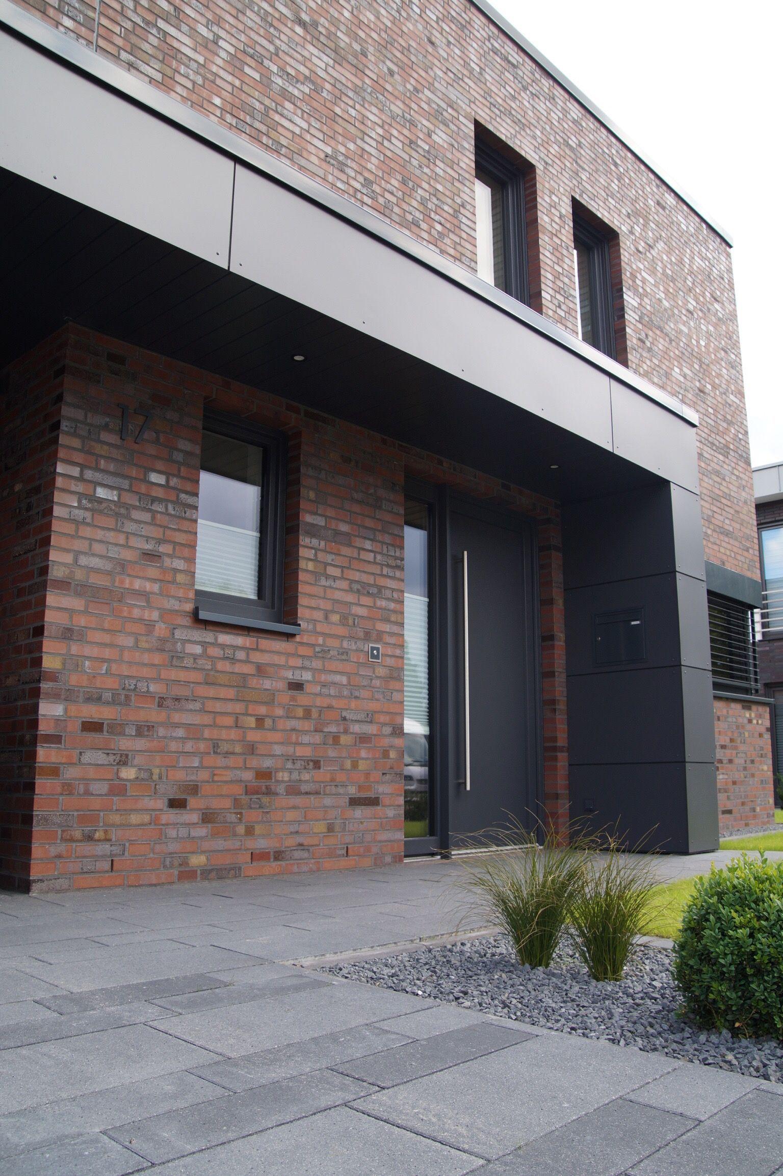 Uberdach Vordach Carport Hauseingang Haustur Vordach Eingangsbereich In 2020 Vordach Hauseingang Hauseingang Uberdachung Hauseingang