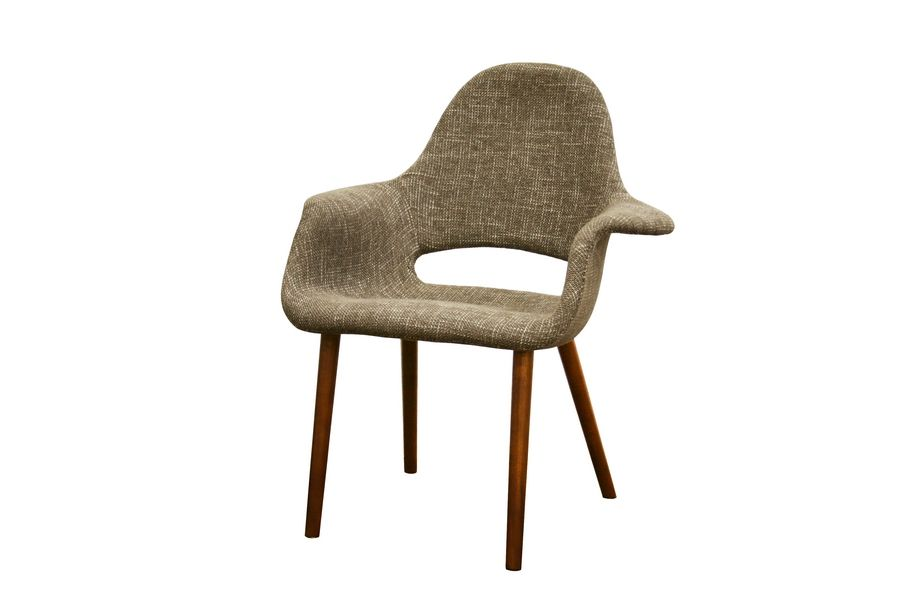 office chair // The softer statement made by this mod chair is an easy way to stay on-trend without going overboard. It's sophisticated and understated in all the right ways.