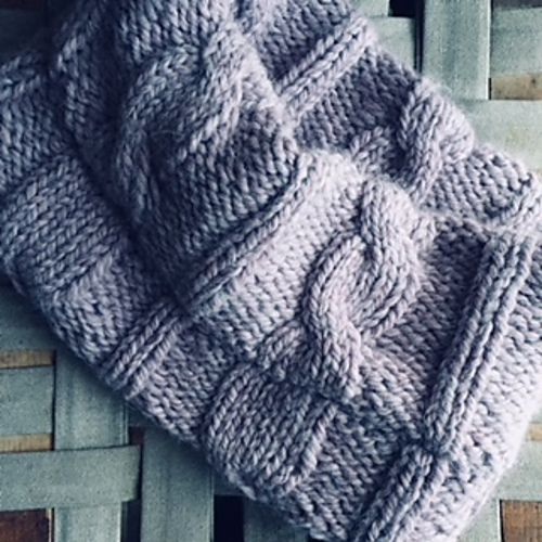 Ravelry Easy Cable Knit Cowl Pattern By Jen Monroe Knitting