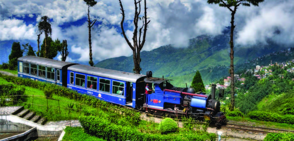 darjeeling train winter