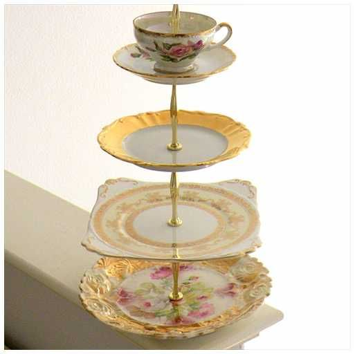 Display Your Vintage Wedding Cake Stands Proudly!