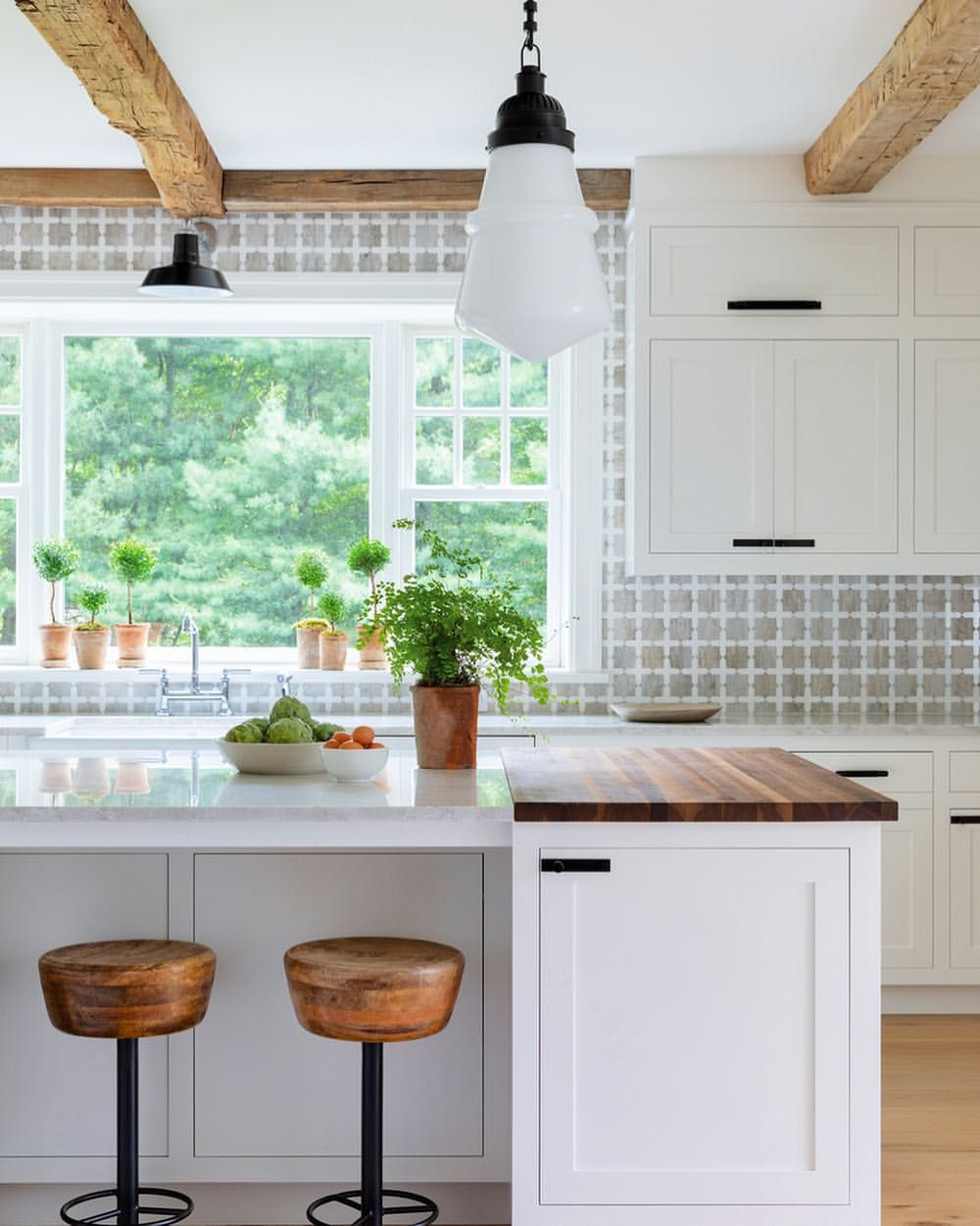 Farmhouse Kitchen To A T Luxeathome Sandow Photo George Ross